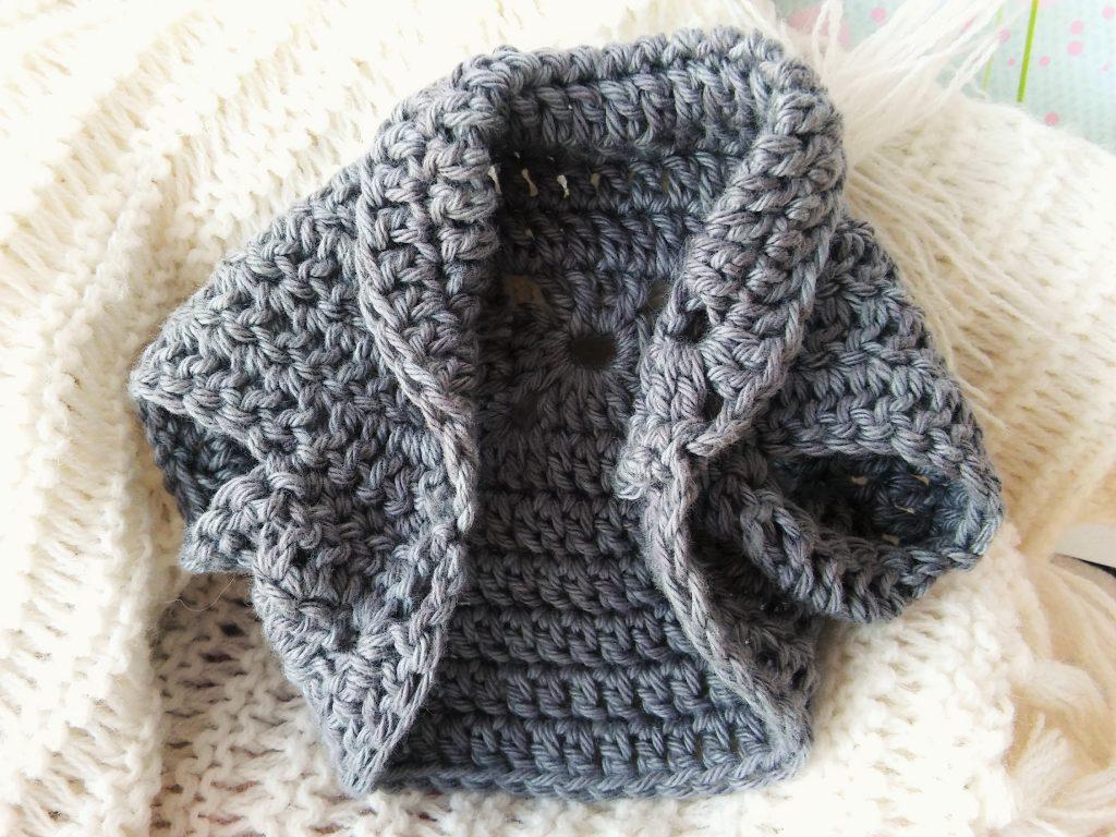 Amigurumi dogs in sweaters crochet pattern | Amiguroom Toys | 768x1024
